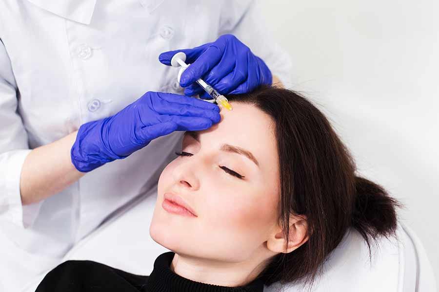 عارضه افتادگی پلک پس از تزریق بوتاکس